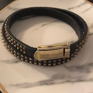 Jewelry - Black and gold double wrap bracelet